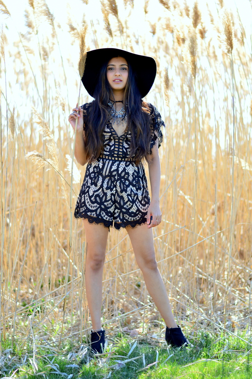 black-lace-romper-boho-festival-style-blogger-outfit 5