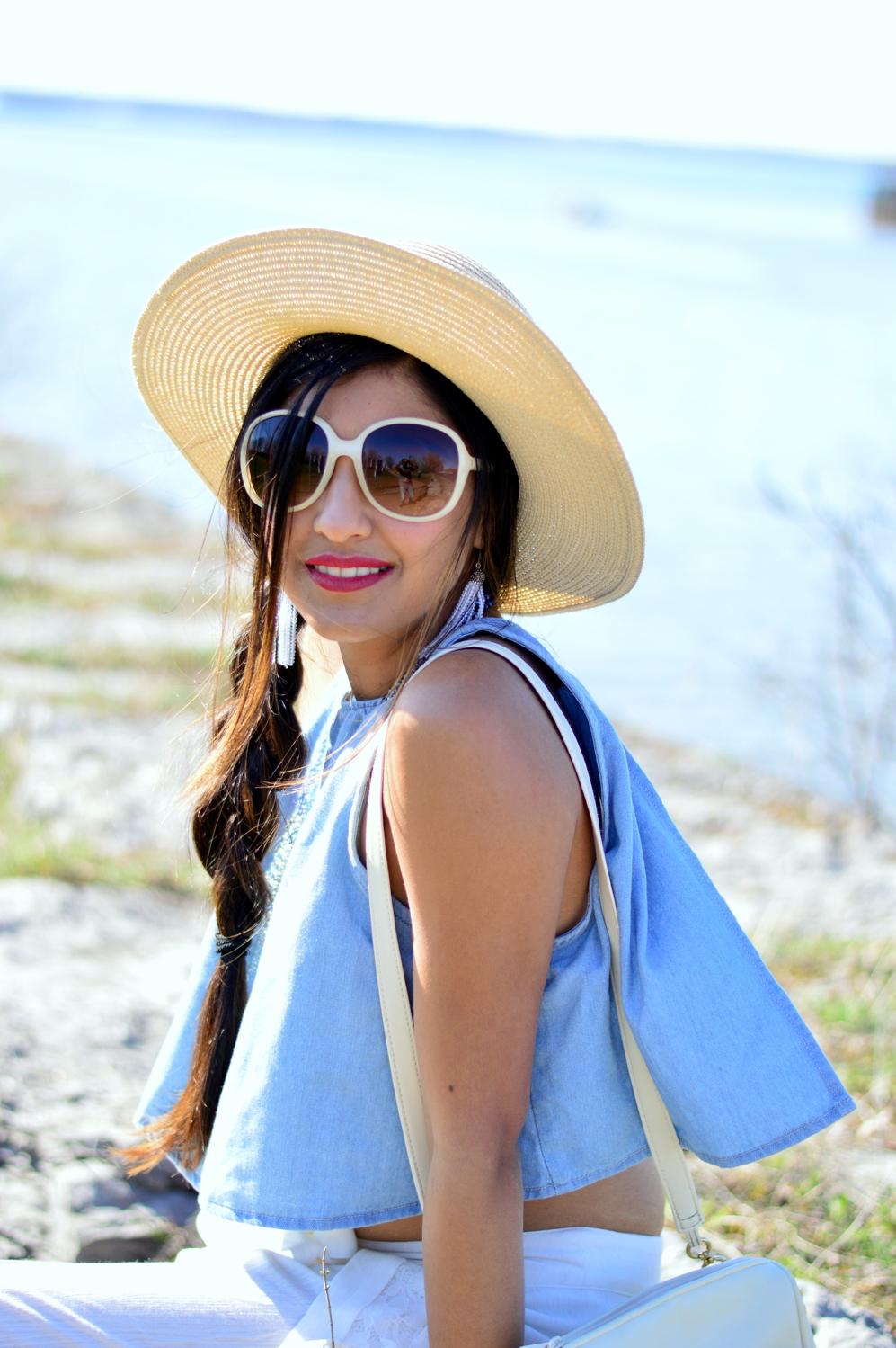 denim-crop-top-beach-style-blogger-summer-outfit 4