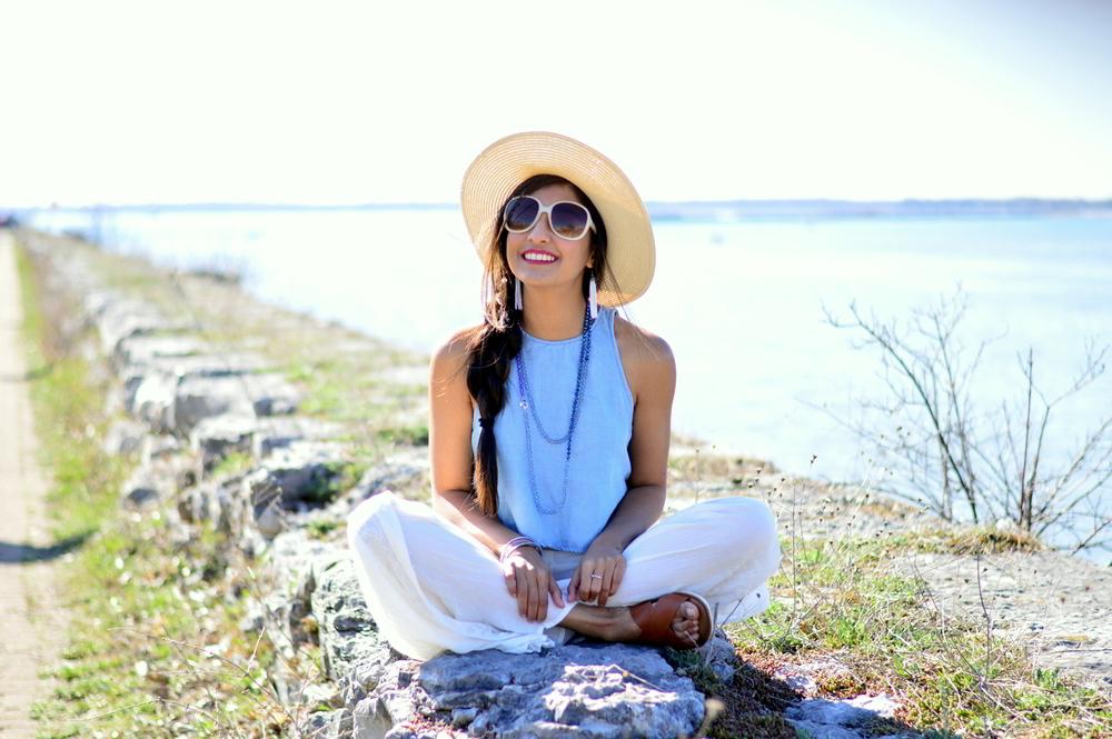 denim-crop-top-white-palazzo-pants-beach-style 8