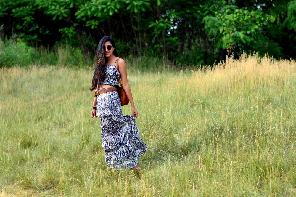 python-print-maxi-skirt-set-boho-chic-animal-print-blogger-outfit 6
