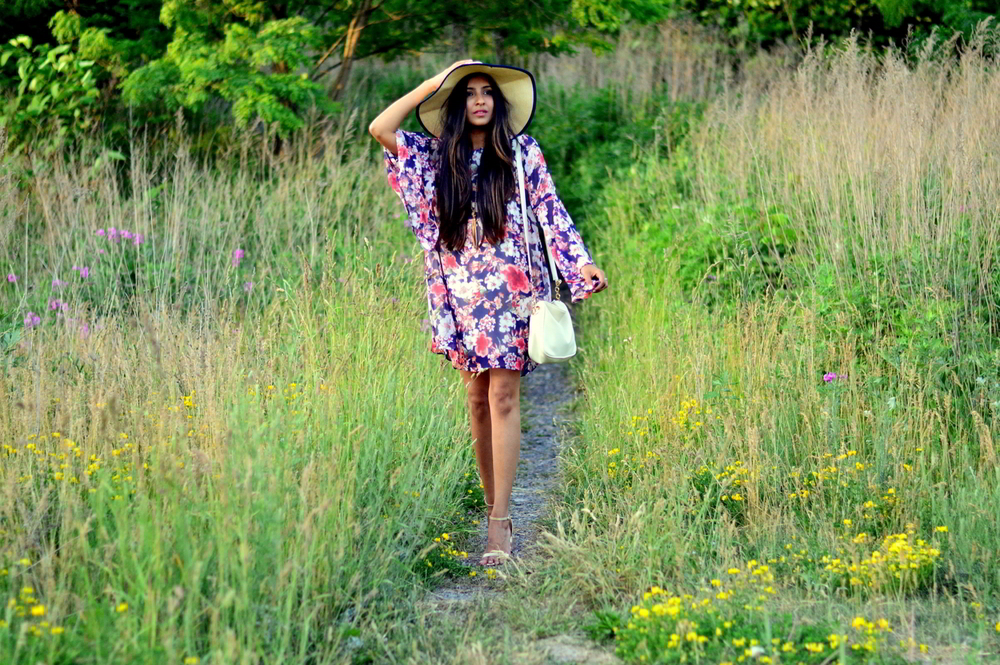 bell-sleeves-floral-dress-summer-casual-blogger-fashion 5