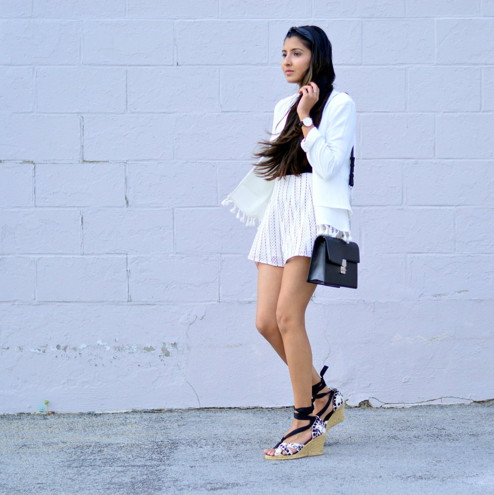 black-and-white-off-the-shoulder-lace-up-shoes-summer-style 4