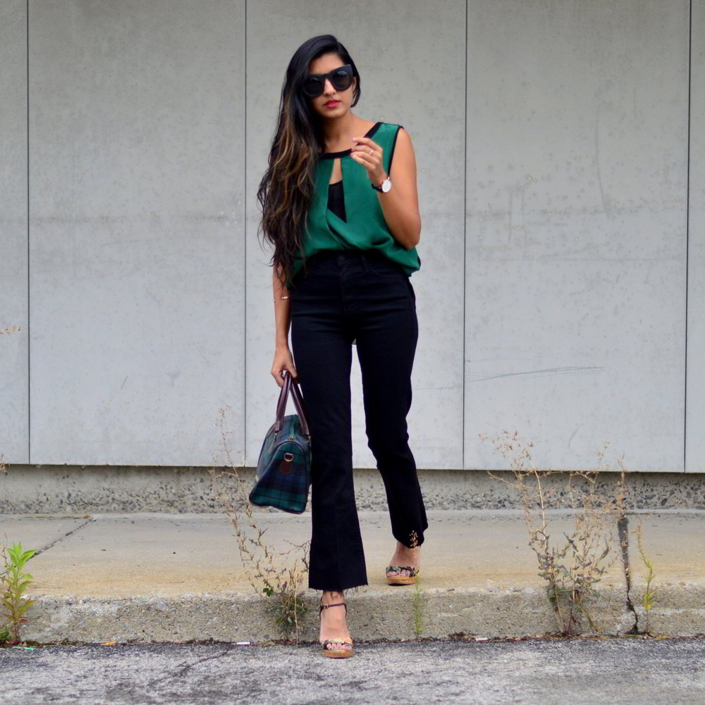 workwear-fall-style-emerald-silk-blouse-cropped-flared-jeans 1