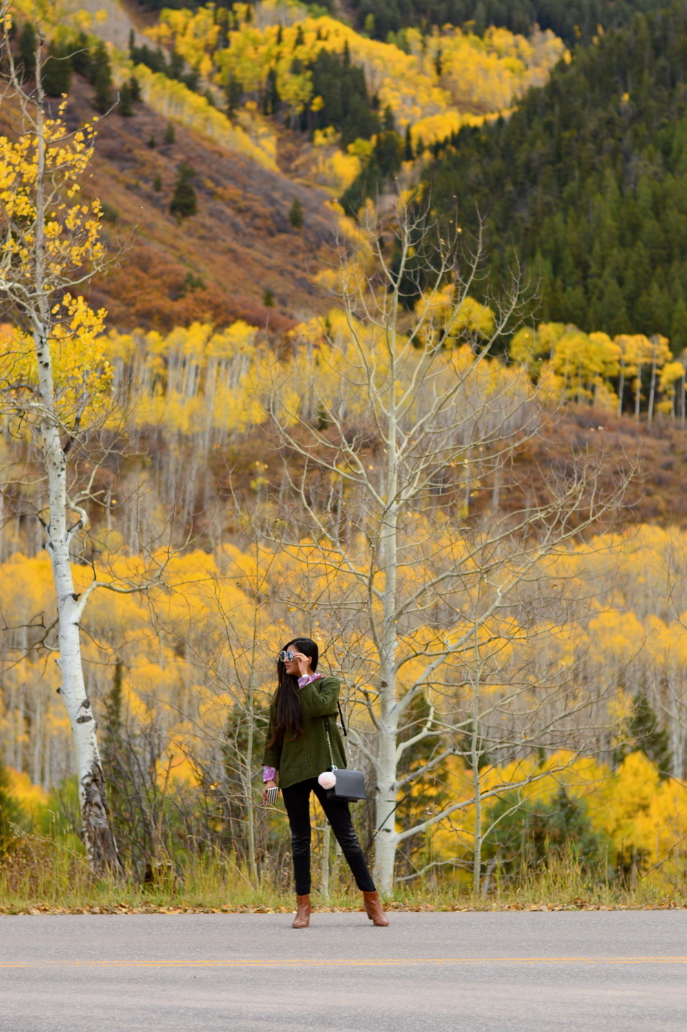 cableneck-sweater-moto-leggings-fall-layers-blogger-outfit-aspen-style-colorado 3