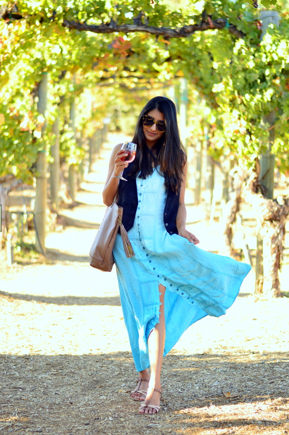 embroidered-maxi-dress-suede-vest-fall-california-blogger-style-outfit 10