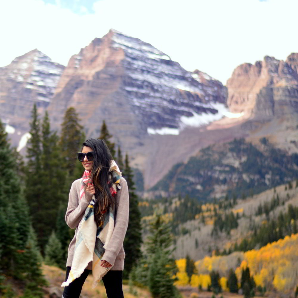 turtleneck-sweater-plaid-blanket-scarf-fall-style-maroon-bells-aspen-colorado-blogger-outfit 2