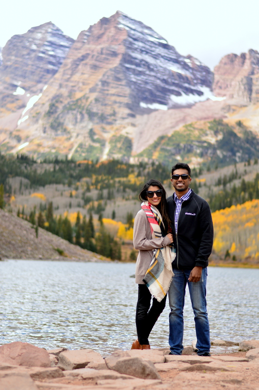 travel-blogger-guide-fall-style-maroon-bells-aspen-colorado 5