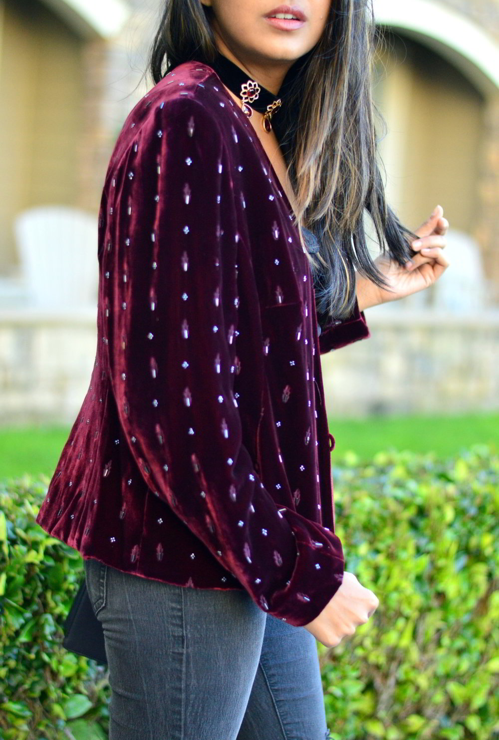velvet-embellished-blazer-holiday-party-style-burgundy-black-blogger-outfit 5