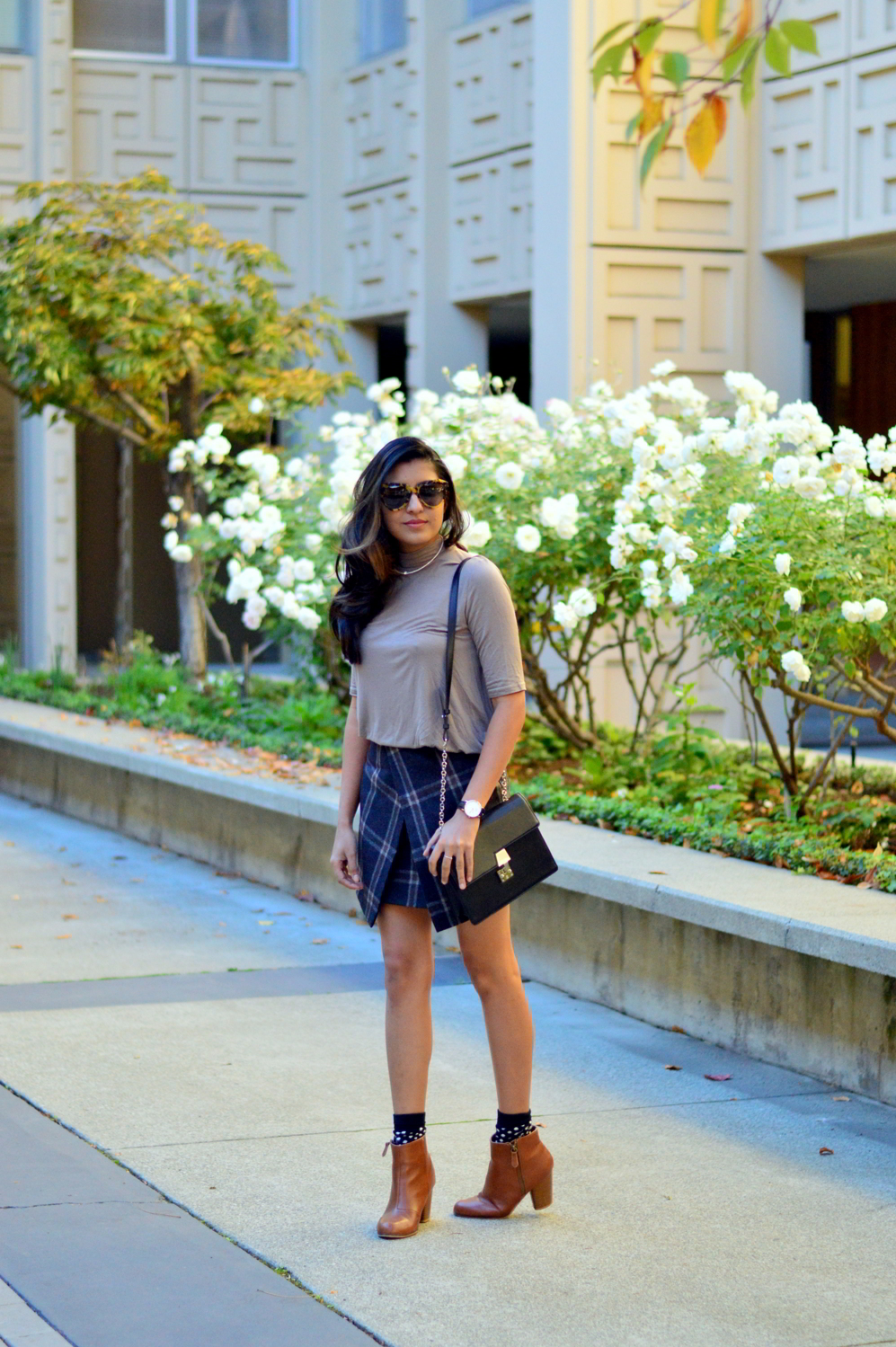 fall-winter-plaid-skirt-turtleneck-style-blogger-outfit-neutrals 1