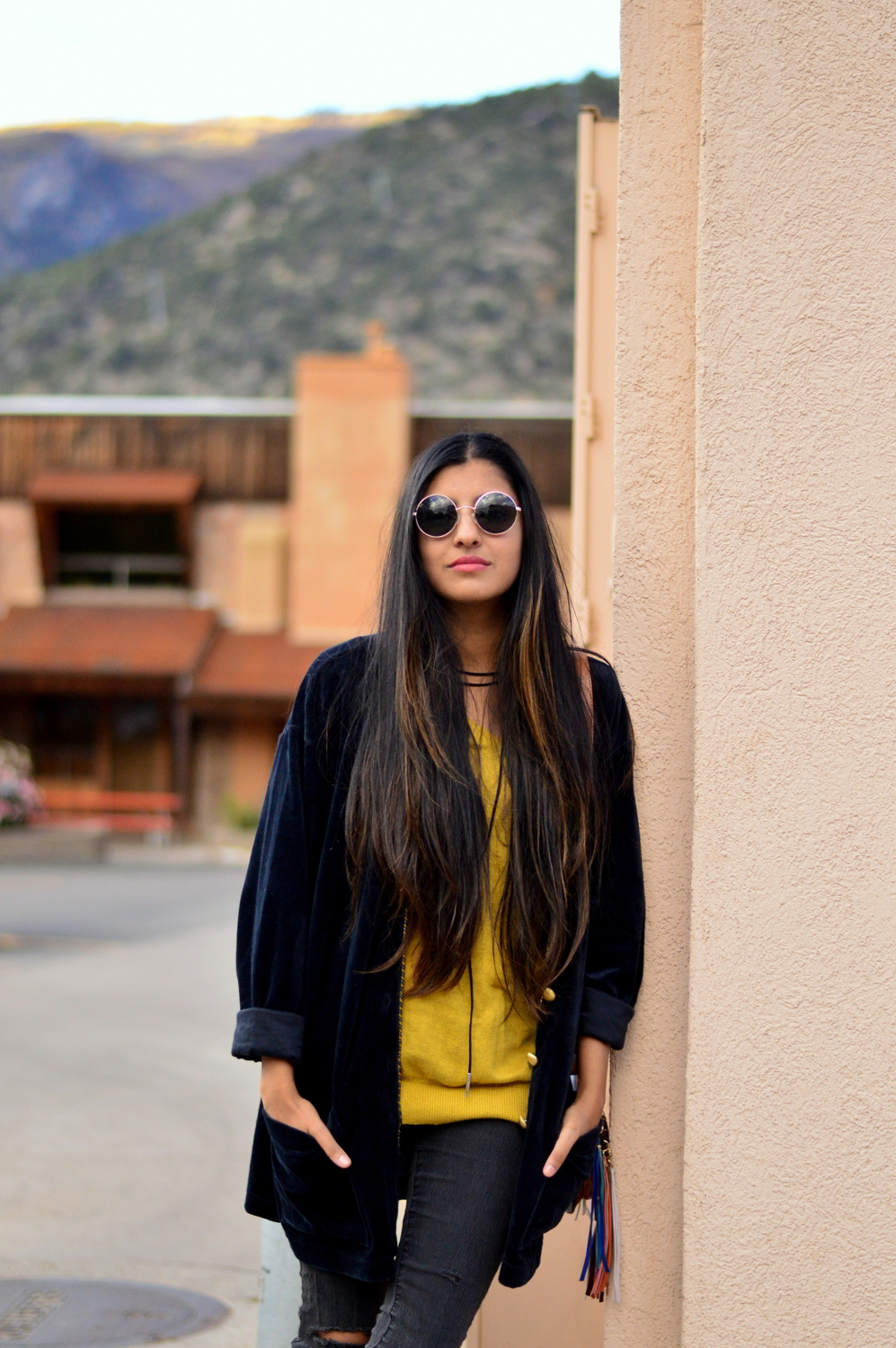 velvet-oversized-cardigan-fall-style-colorado-travel-blogger-outfit-boho-retro 2