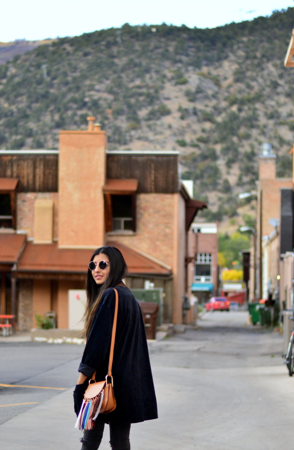 velvet-oversized-cardigan-fall-style-colorado-travel-blogger-outfit 7