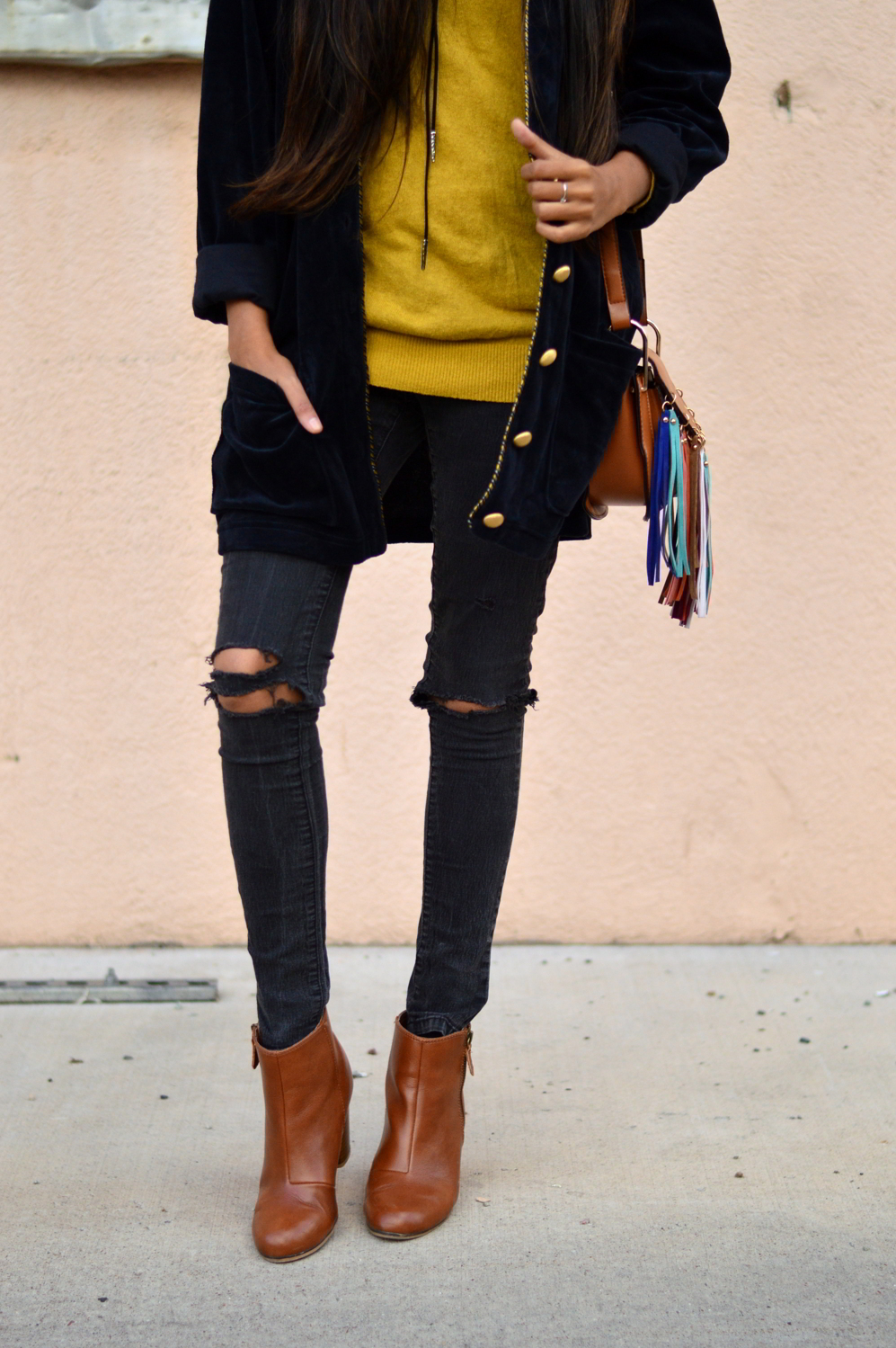 velvet-oversized-cardigan-fall-style-colorado-travel-blogger-outfit 8
