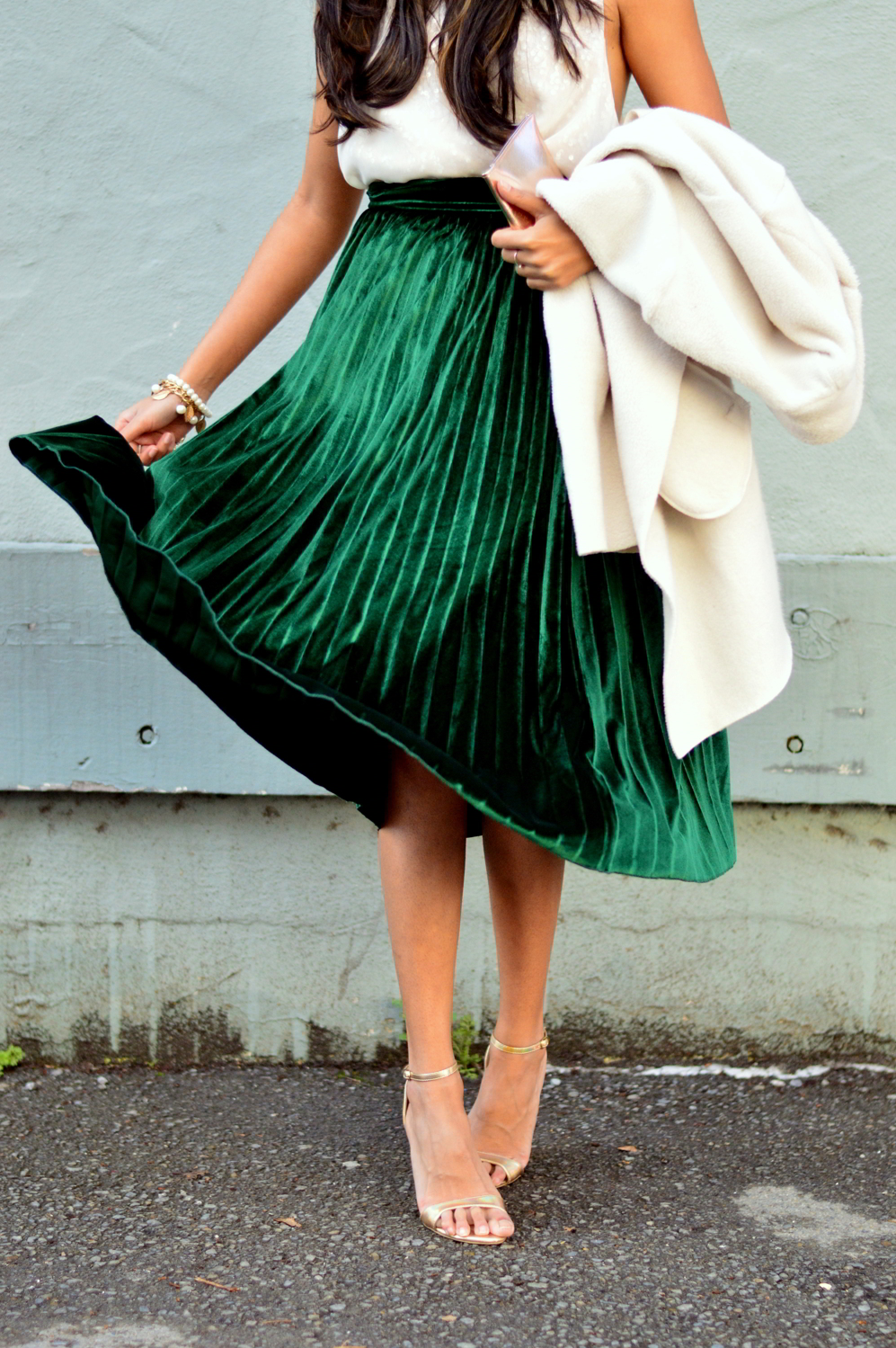 velvet-pleats-midi-skirt-daytime-sequins-party-outfit-blogger 2