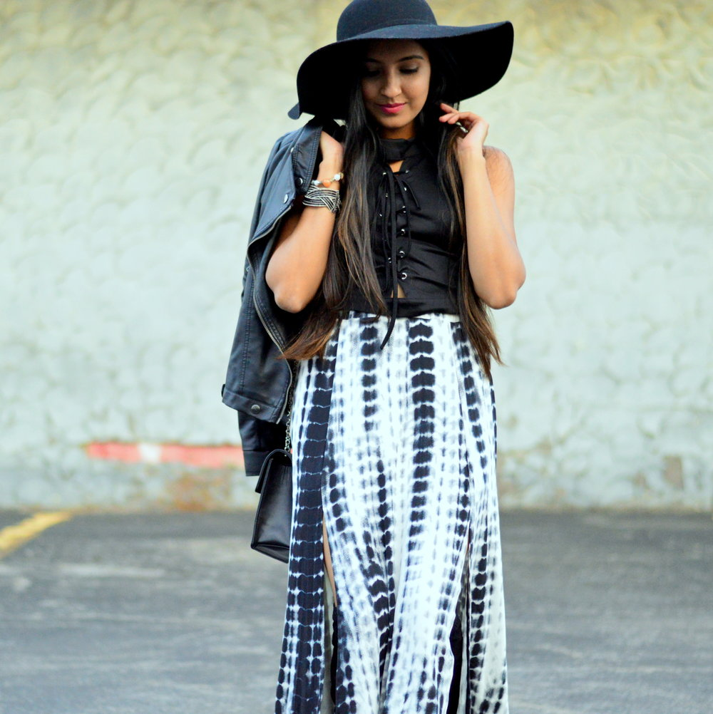 tie-dye-maxi-skirt-leather-jacket-boho-chic-over-the-knee-boots-winter-style 2