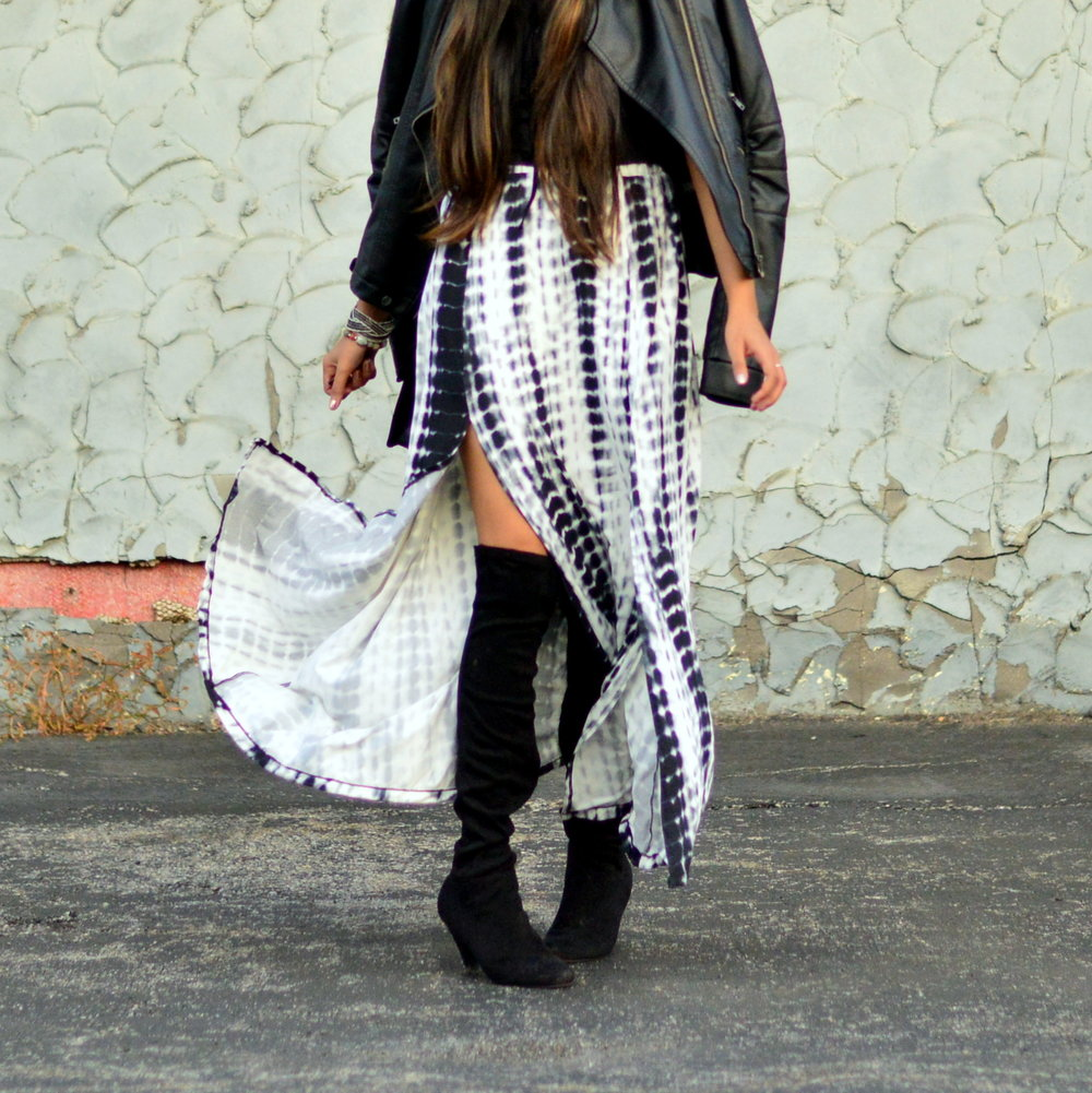 tie-dye-maxi-skirt-leather-jacket-boho-chic-over-the-knee-boots-winter-style 6