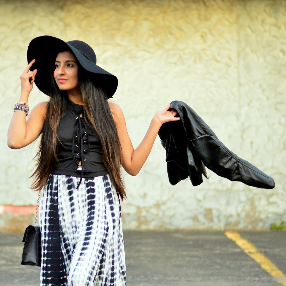 tie-dye-maxi-skirt-leather-jacket-boho-chic-over-the-knee-boots-winter-style 7