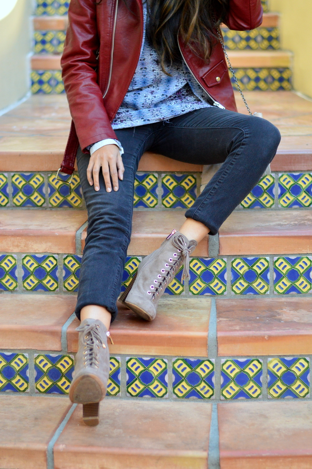 burgundy-leather-jacket-laceup-ankle-boots-casual-layers-winter-style-animal-print-black-jeans 4