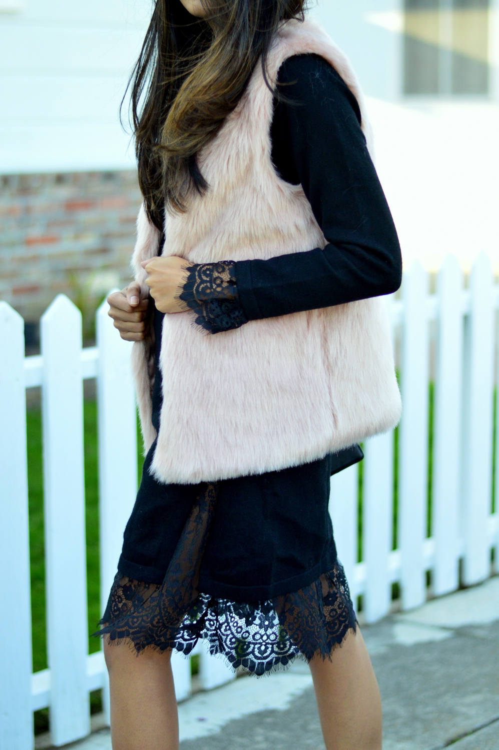 california-winter-layers-sweater-dress-lace-faux-fur-vest-glitter-ankle-boots 6