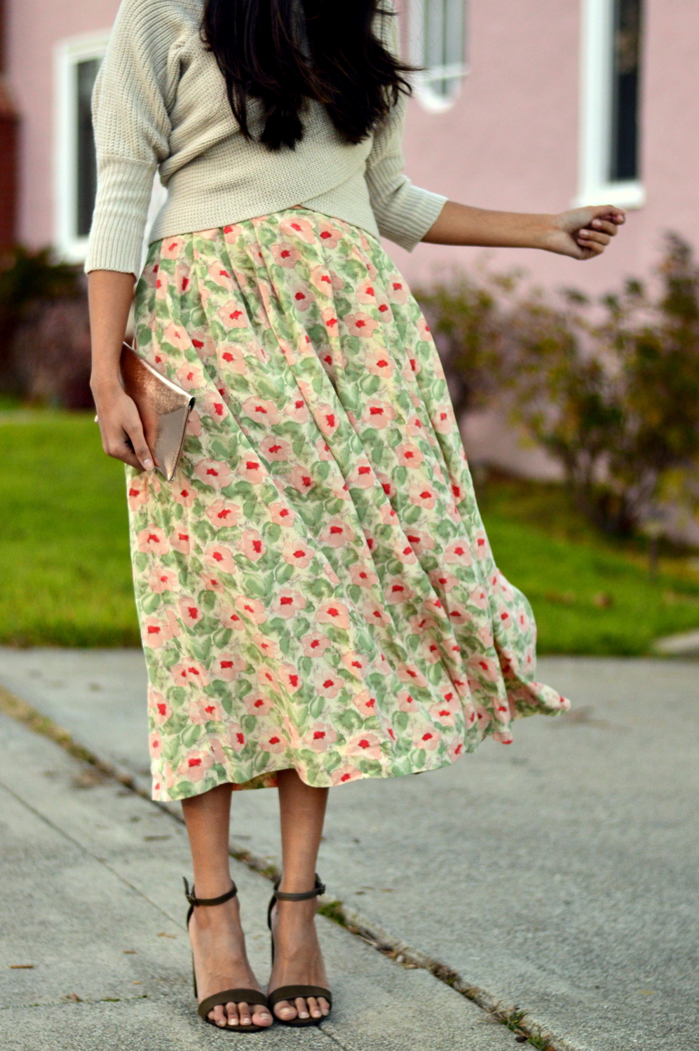 wrap-sweater-cropped-floral-midi-skirt-spring-style-blogger-outfit 4