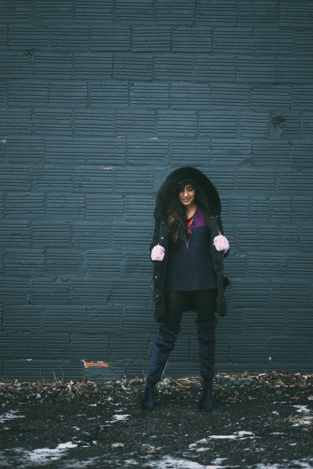 puffer-jacket-velvet-over-the-knee-boots-winter-snow-day-style-blogger-outfit 3