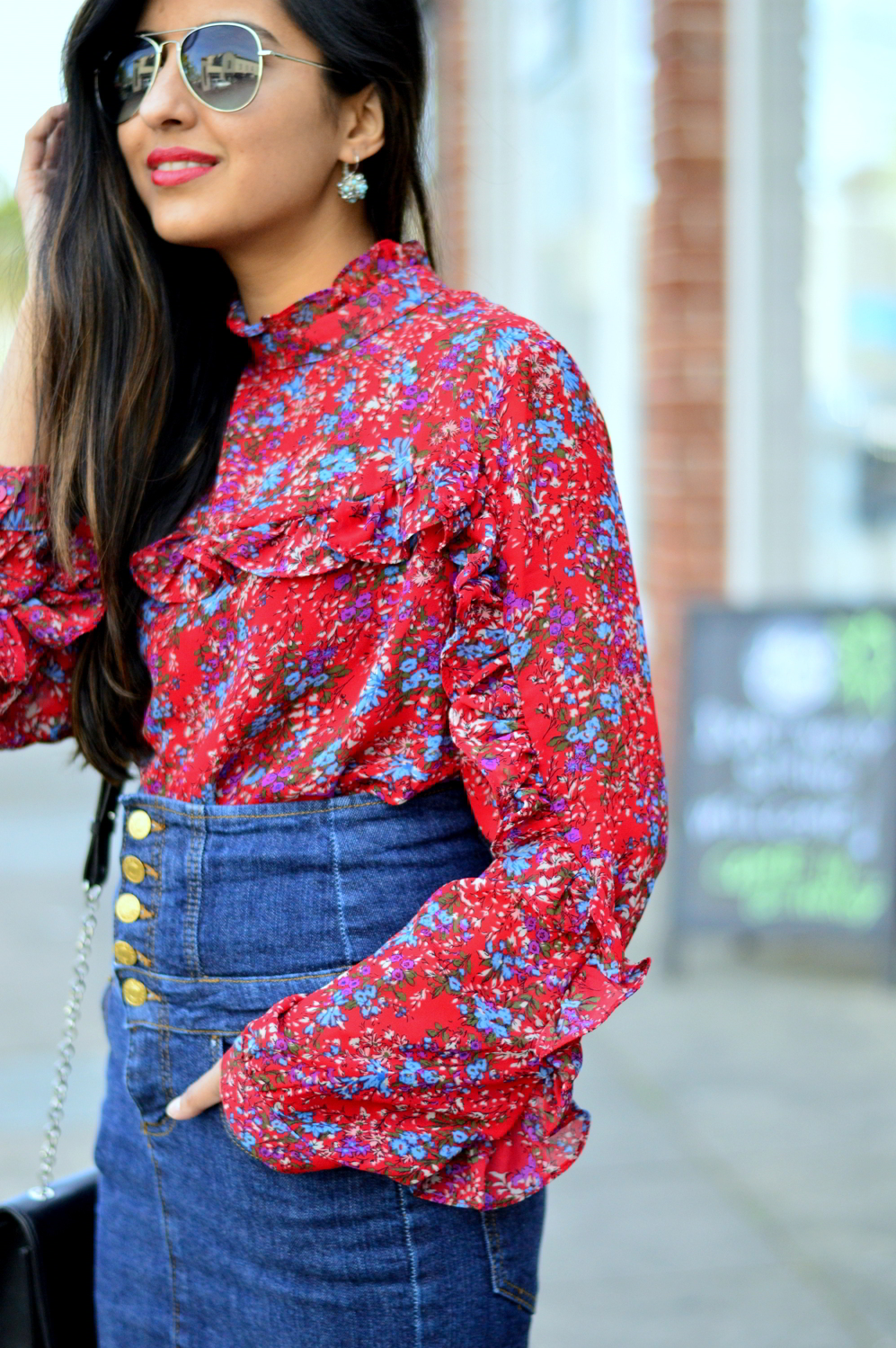 ruffles-floral-top-spring-style-high-waisted-denim-skirt-blogger-outfit 4