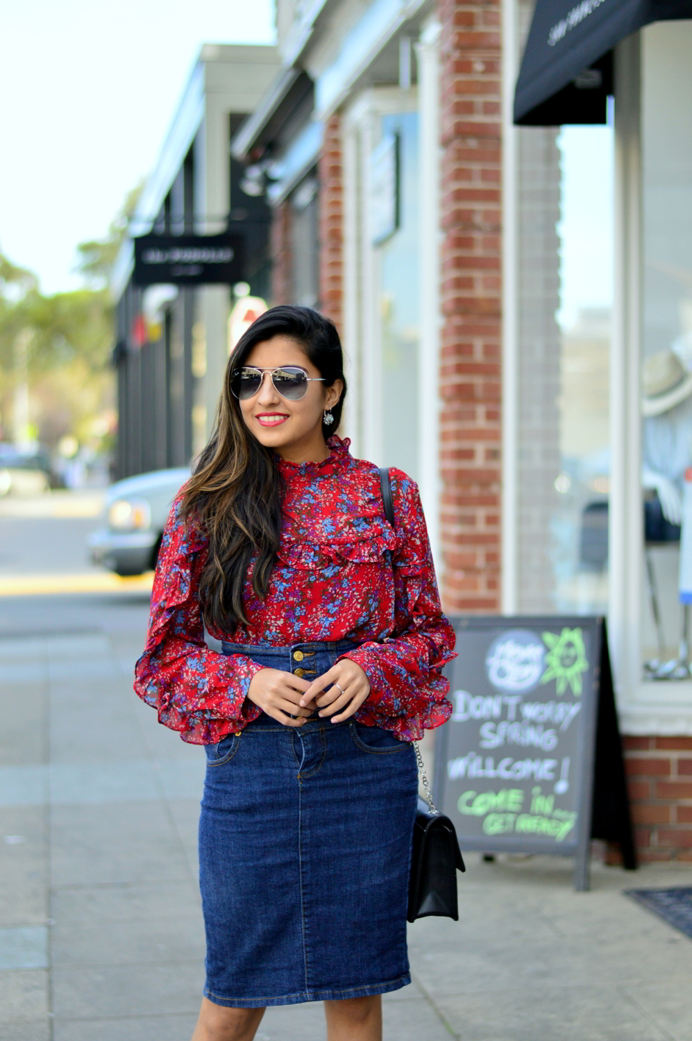 ruffles-floral-top-spring-style-high-waisted-denim-skirt-blogger-outfit 8
