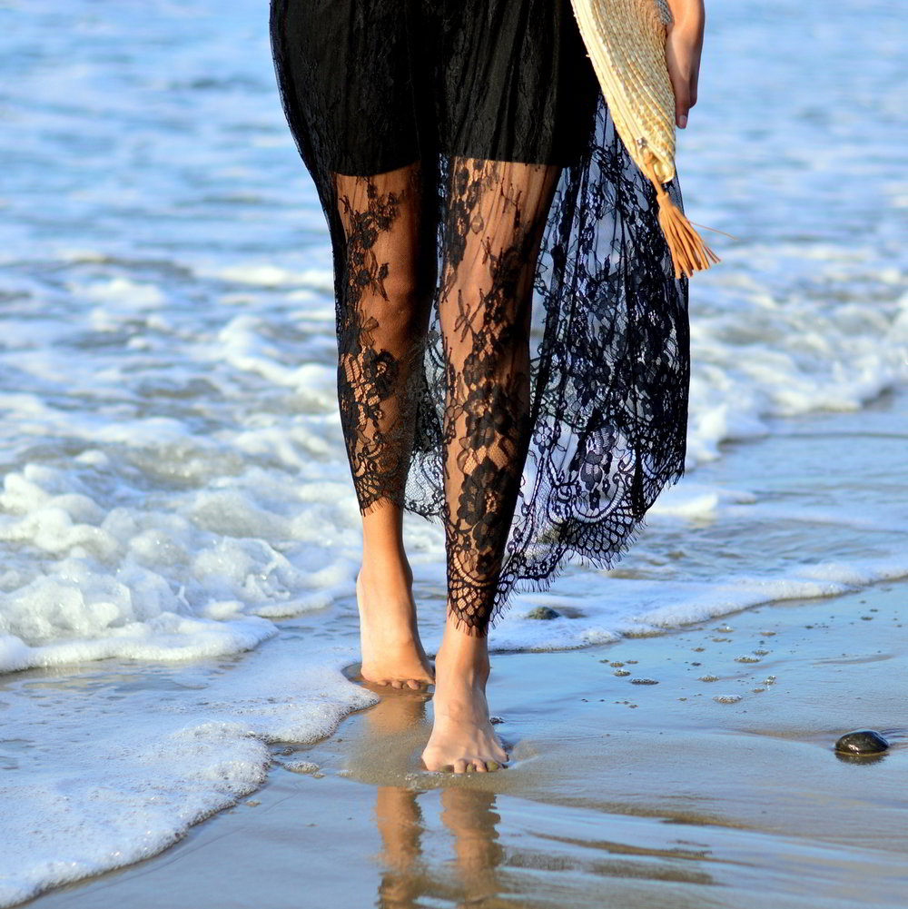 lace-black-maxi-dress-monterey-california-beach-outfit-blogger-style 7