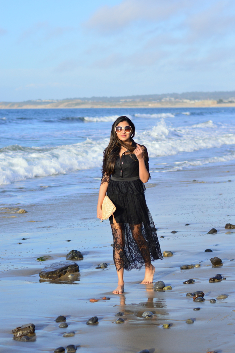 lace-black-maxi-dress-monterey-california-beach-outfit-blogger-style 9