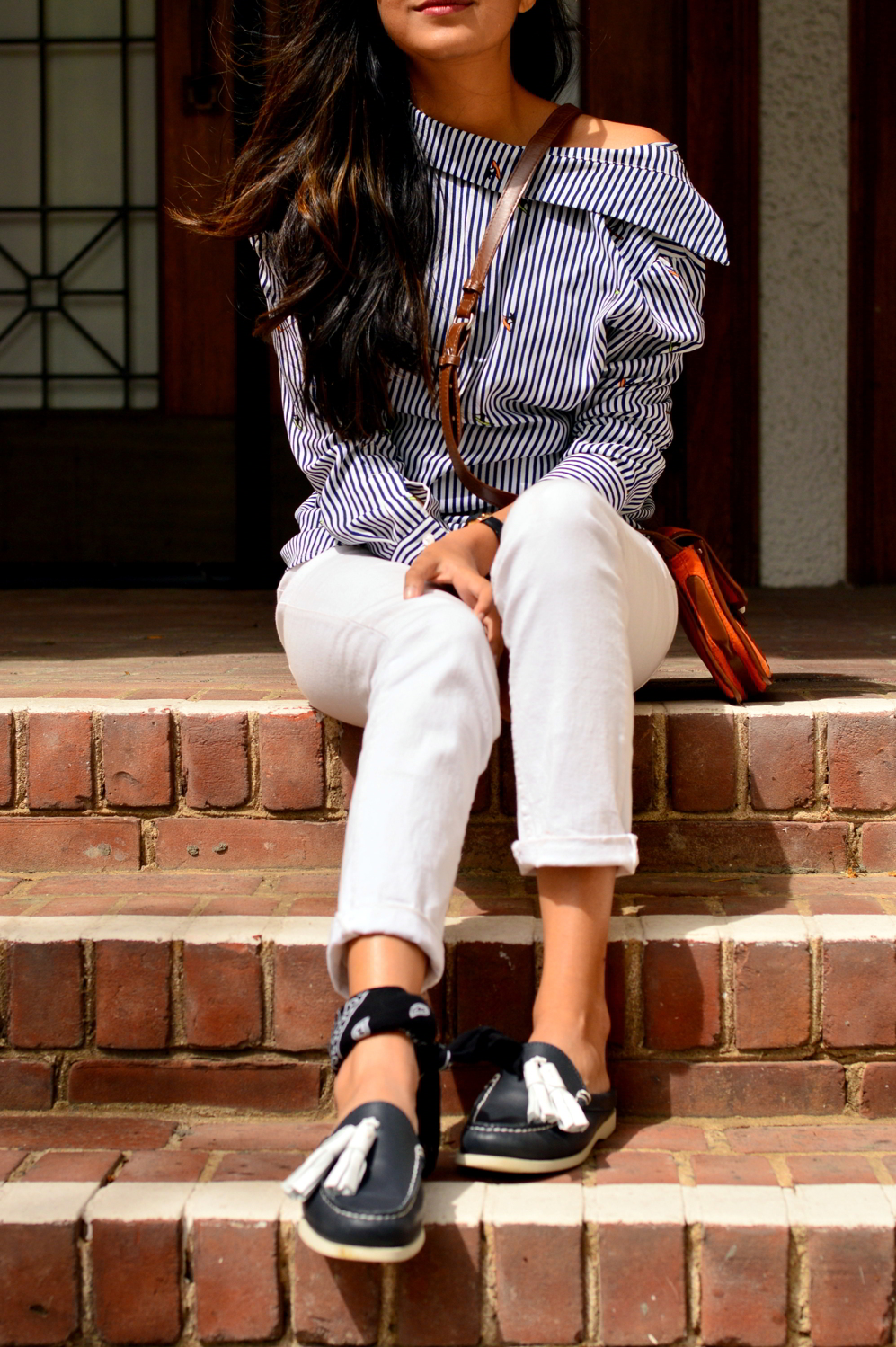 buttondown-shirt-backwards-nautical-vibes-loafers-slides-tassels-summer-spring-style-outfit-casual-blogger 7
