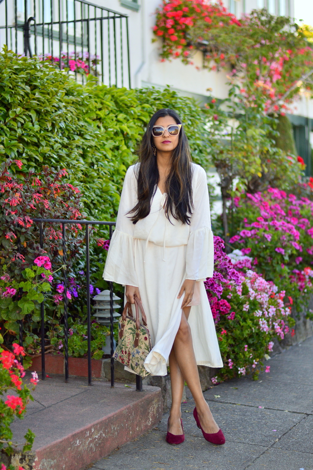 bell-sleeves-white-summer-style-blogger-outfit-dress-floral-bag 1