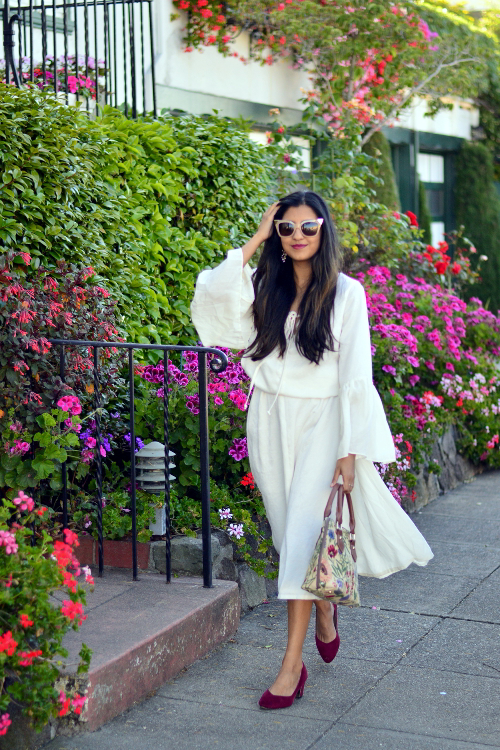 bell-sleeves-white-summer-style-blogger-outfit-dress-floral-bag 3