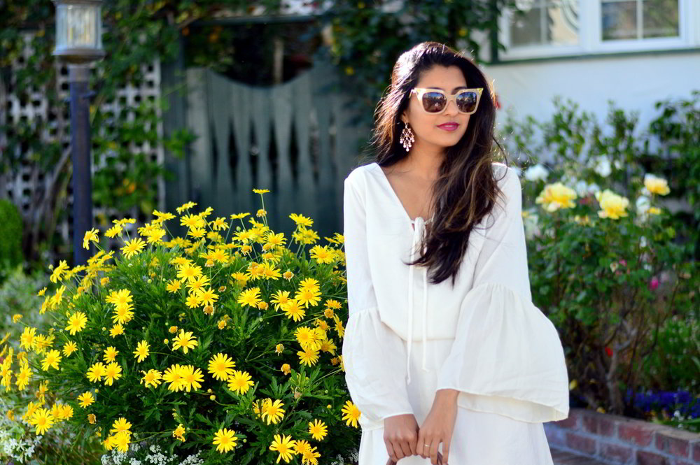 bell-sleeves-white-summer-style-blogger-outfit-dress-floral-bag 6