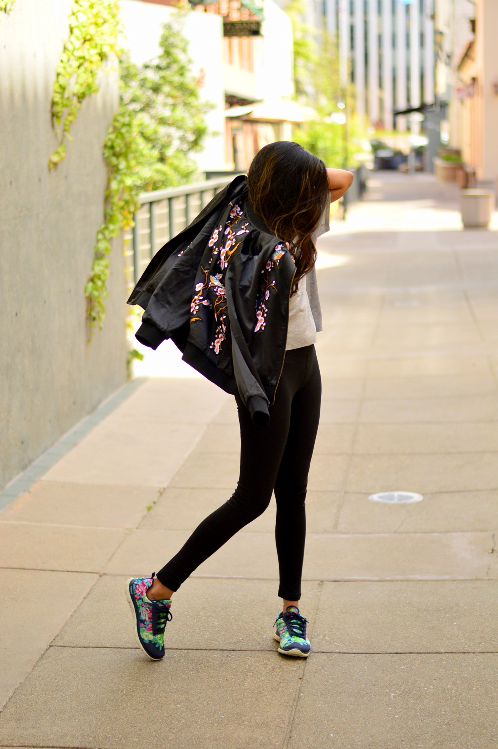 athleisure-girlboss-graphic-tee-weekend-wear-floral-sneakers-casual-blogger-outfit 6