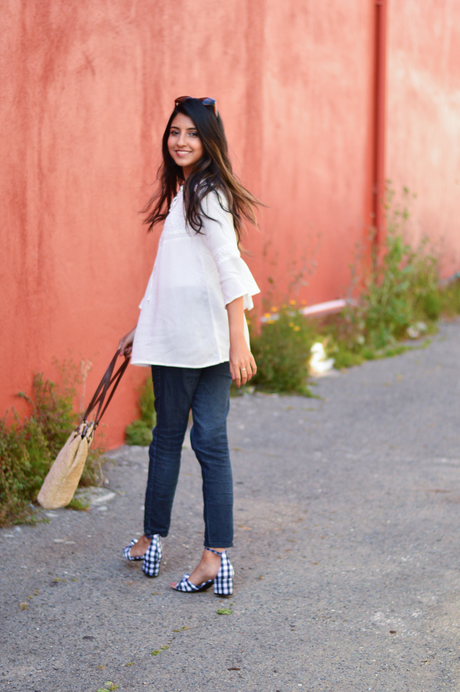 white-bell-sleeves-blouse-blue-denim-gingham-shoes-blogger-outfit-summer-style 6