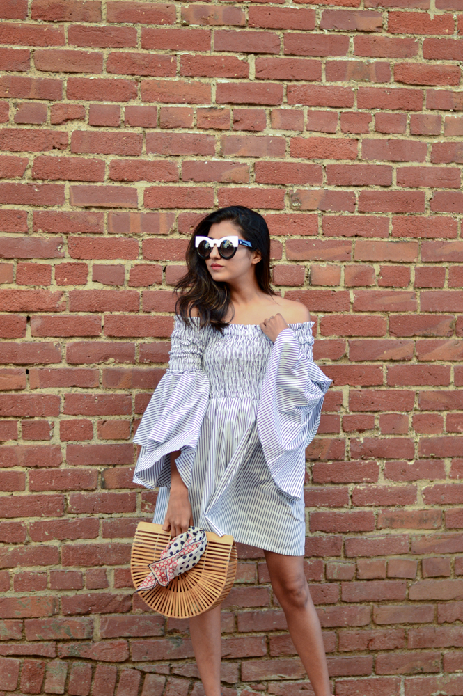 bell-sleeves-ruffles-stripes-dress-black-and-white-summer-style-blogger-outfit 7