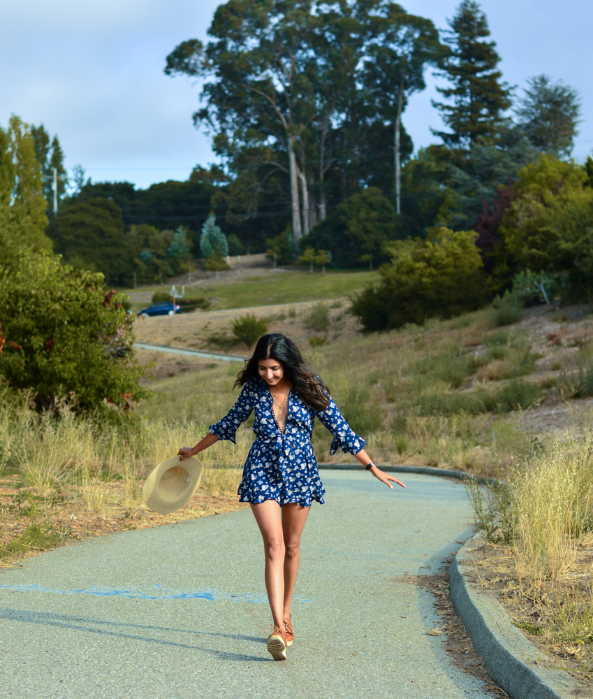 navy-floral-romper-summer-style-blogger-outfit 6