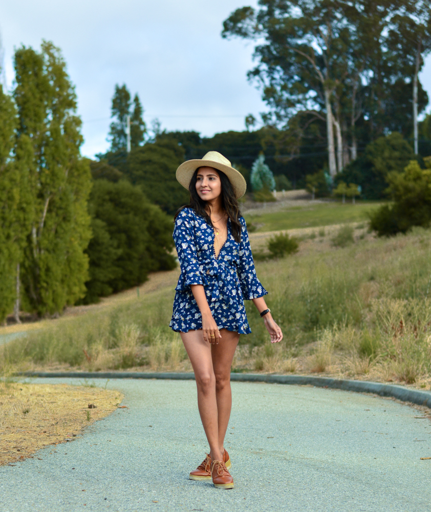 navy-floral-romper-summer-style-blogger-outfit 10