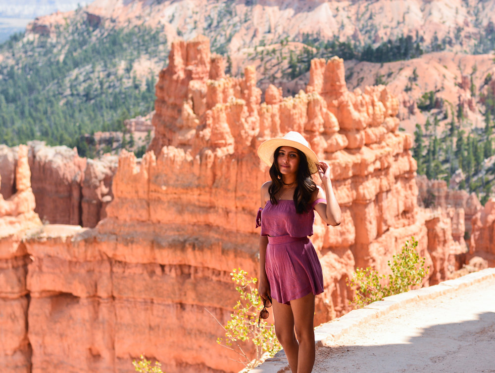 pink-crop-top-shorts-set-bryce-canyon-utah-style-outfit 6