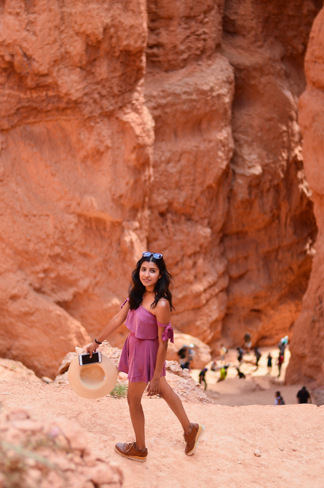 pink-crop-top-shorts-set-bryce-canyon-utah-travel-blogger-outfit 8
