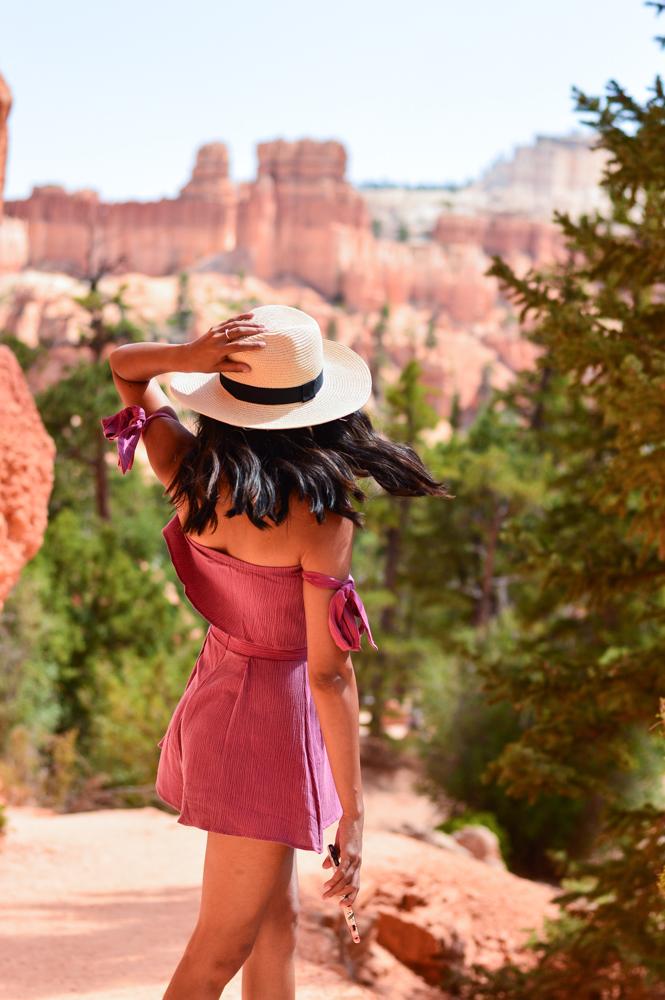 pink-crop-top-shorts-set-bryce-canyon-utah-travel-blogger 12