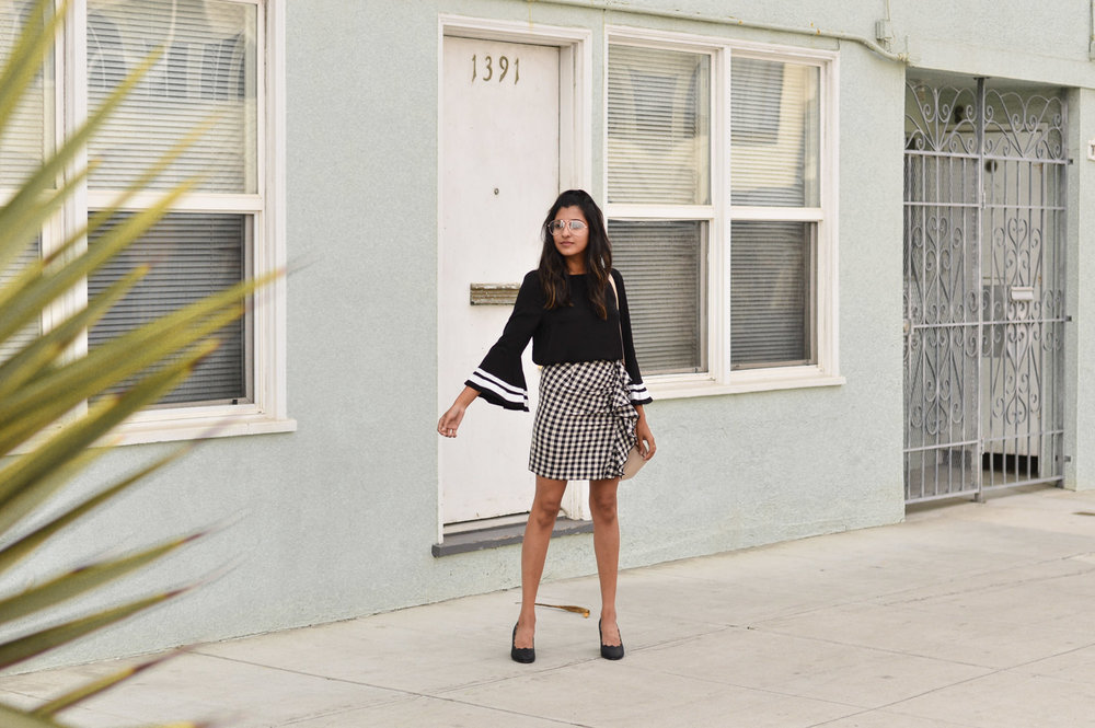 bell-sleeves-gingham-ruffles-san-francisco-blogger-outfit 4