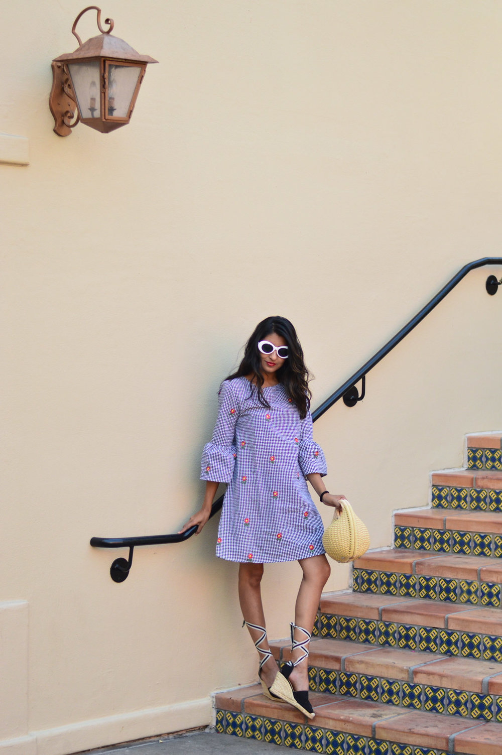 gingham-embroidered-dress-summer-trends-fashion-blogger-outfit 5
