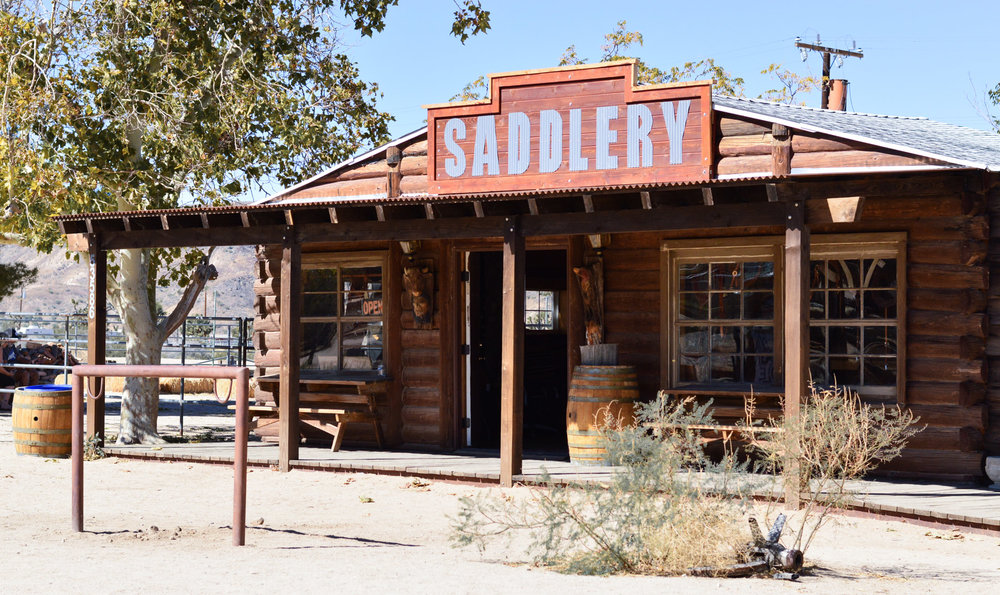 western-vibes-pioneertown-california-travel-blogger 10