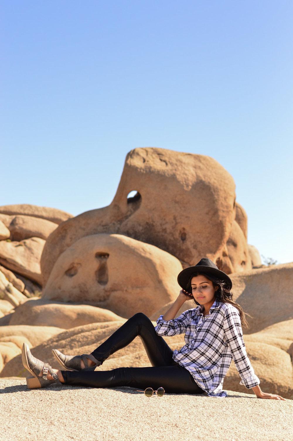 joshua-tree-plaid-fall-california-travel-blogger-outfit 7