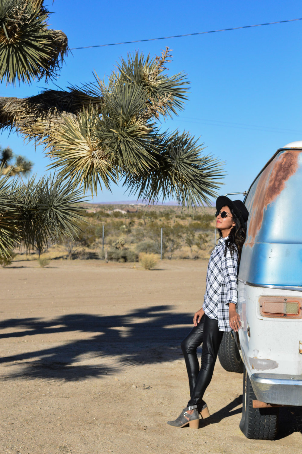 joshua-tree-national-park-california-travel-blogger-outfit 9