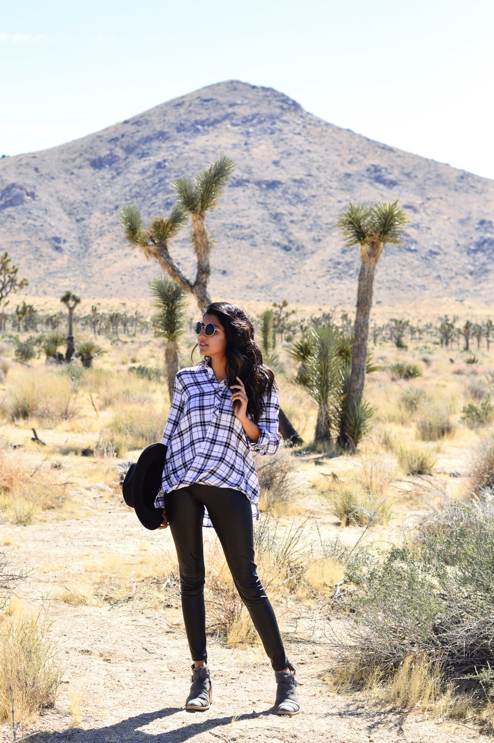 joshua-tree-national-park-california-travel-plaid-blogger-outfit 22
