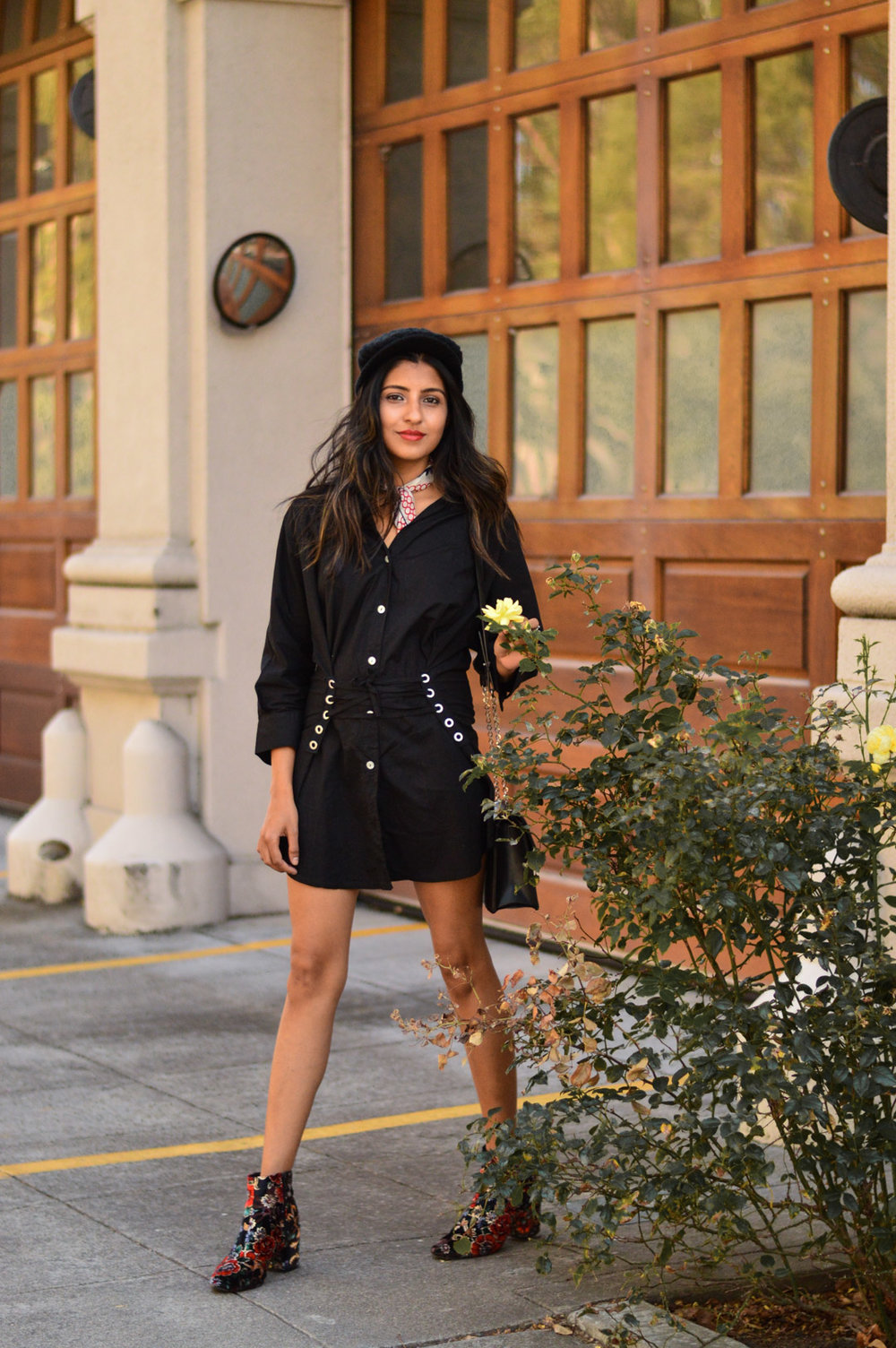 corset-shirtdress-silk-scarf-floral-velvet-boots-blogger-outfit 5