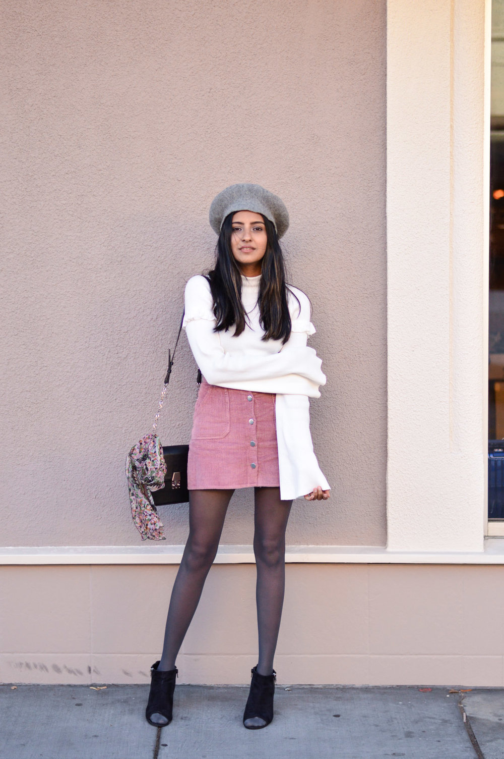 corduroy-skirt-pink-beret-fall-outfit-blogger-fashion 5