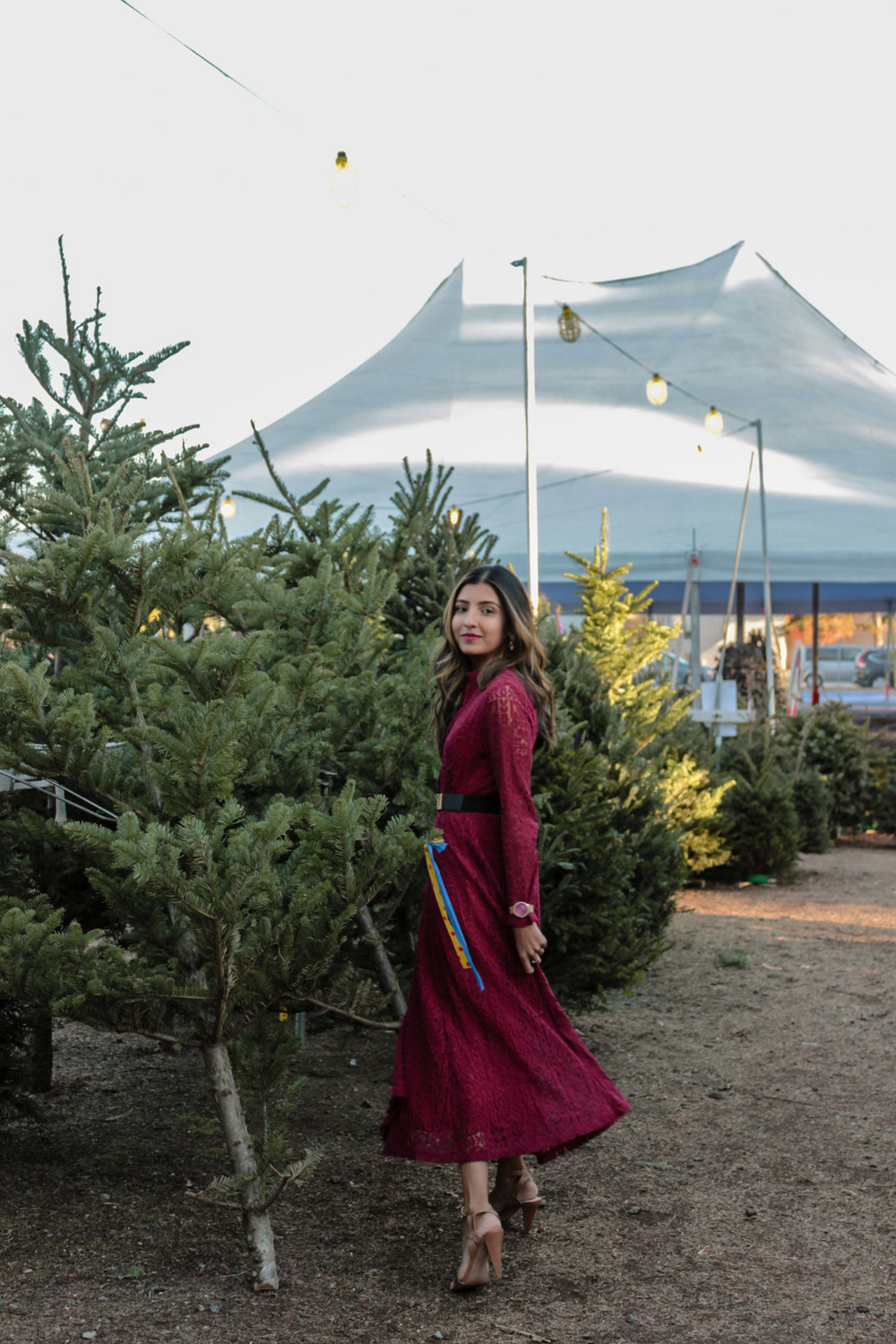 christmas-tree-farm-maxi-dress-holiday-party-style 7