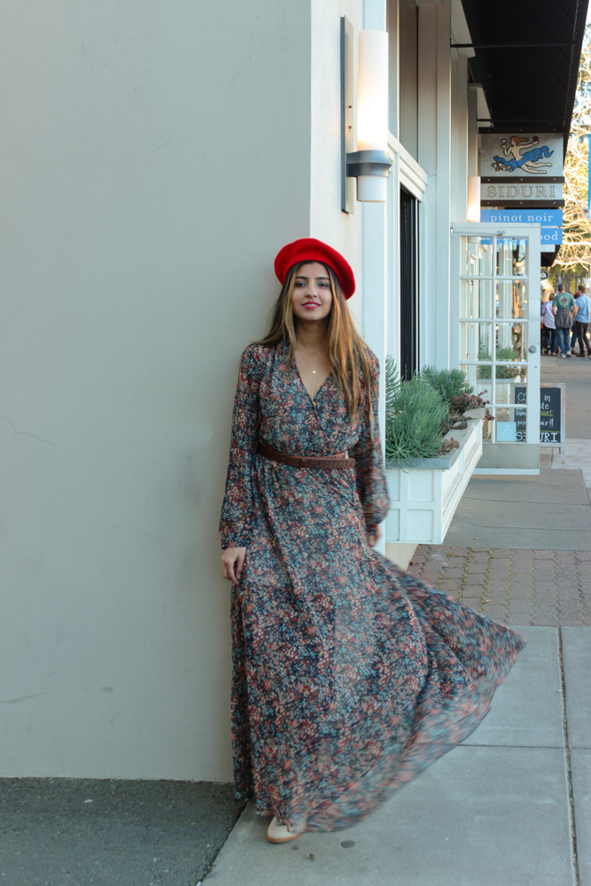 Dress: c/o  thredUP (Adore  this option for spring !), Beret: Old (Similar  here ),Boots:  Thursday Boots